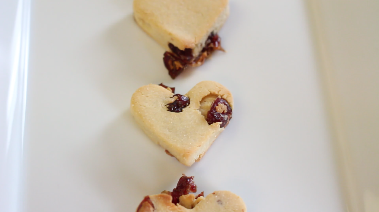 Cranberry Hearts Valentine S Day Dog Treats Diy Upet