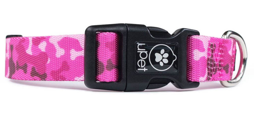 Pink Camo Dog Collar Buckle Close up