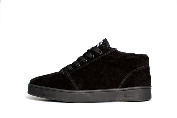 Mid,Suede, black with black outsole