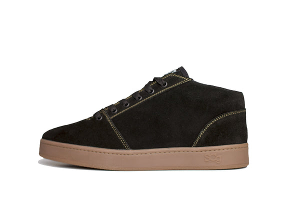 Mid,Suede, black with gum outsole