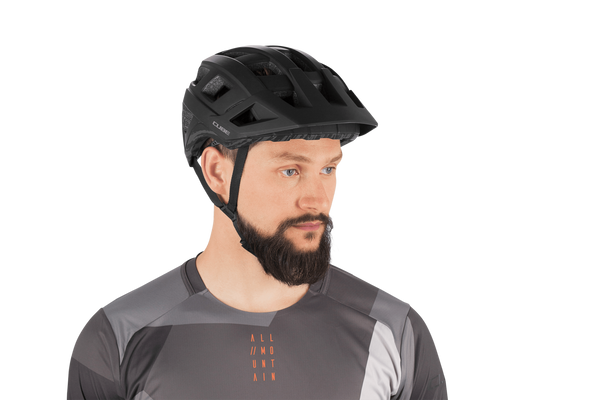 Casco CUBE BADGER