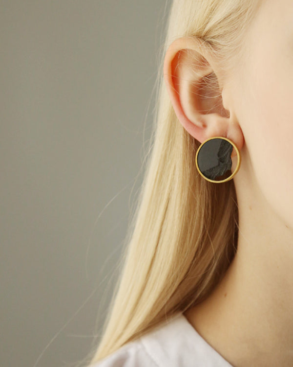 DSNU Gold Circle Frame Earrings, Black