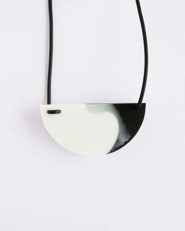 Kohut Half Moon Necklace Black&White