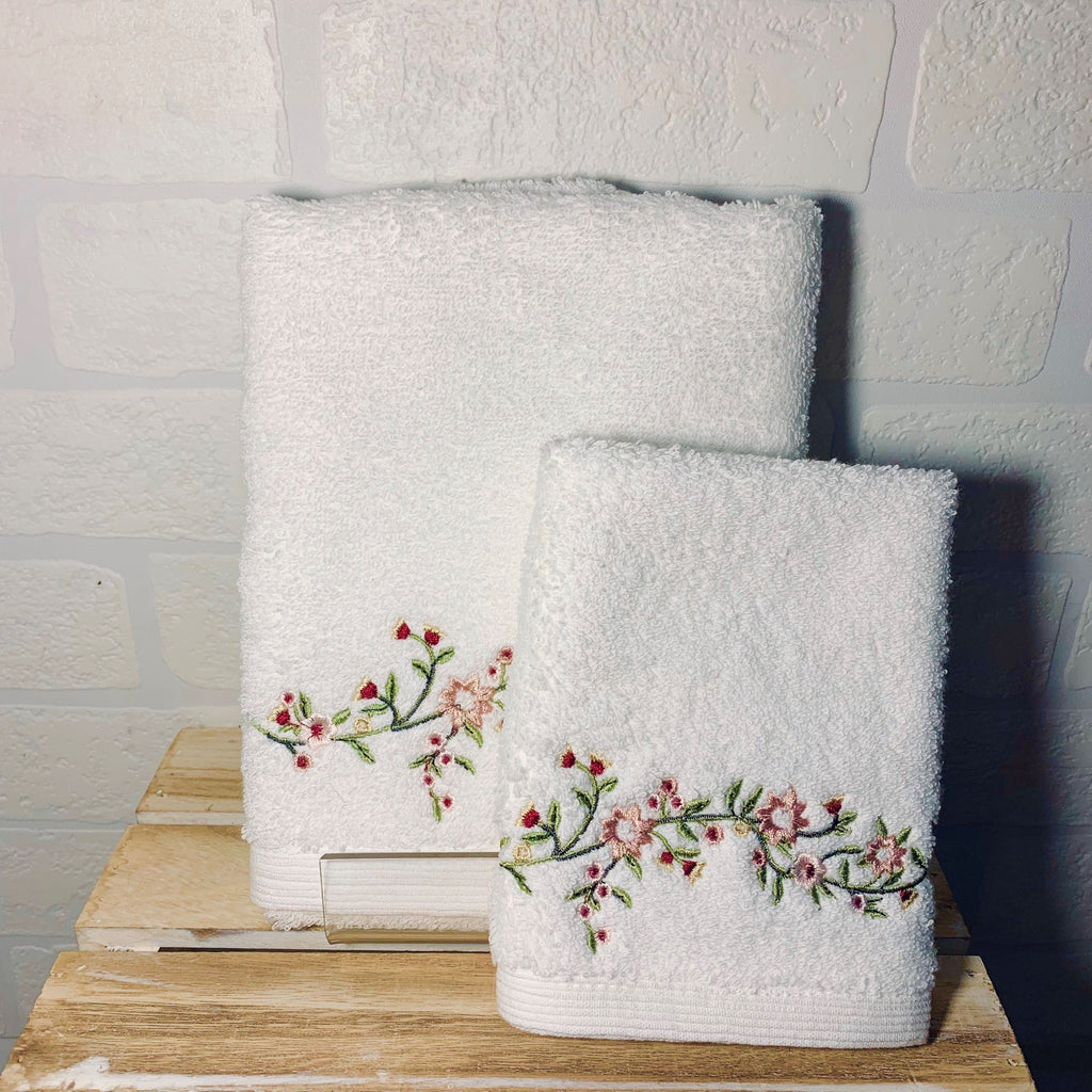 Trailing Flowers Face Washer and Hand Towel
