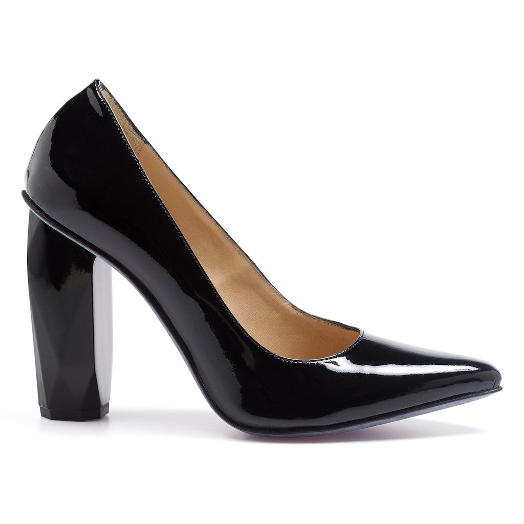100% leather pump black