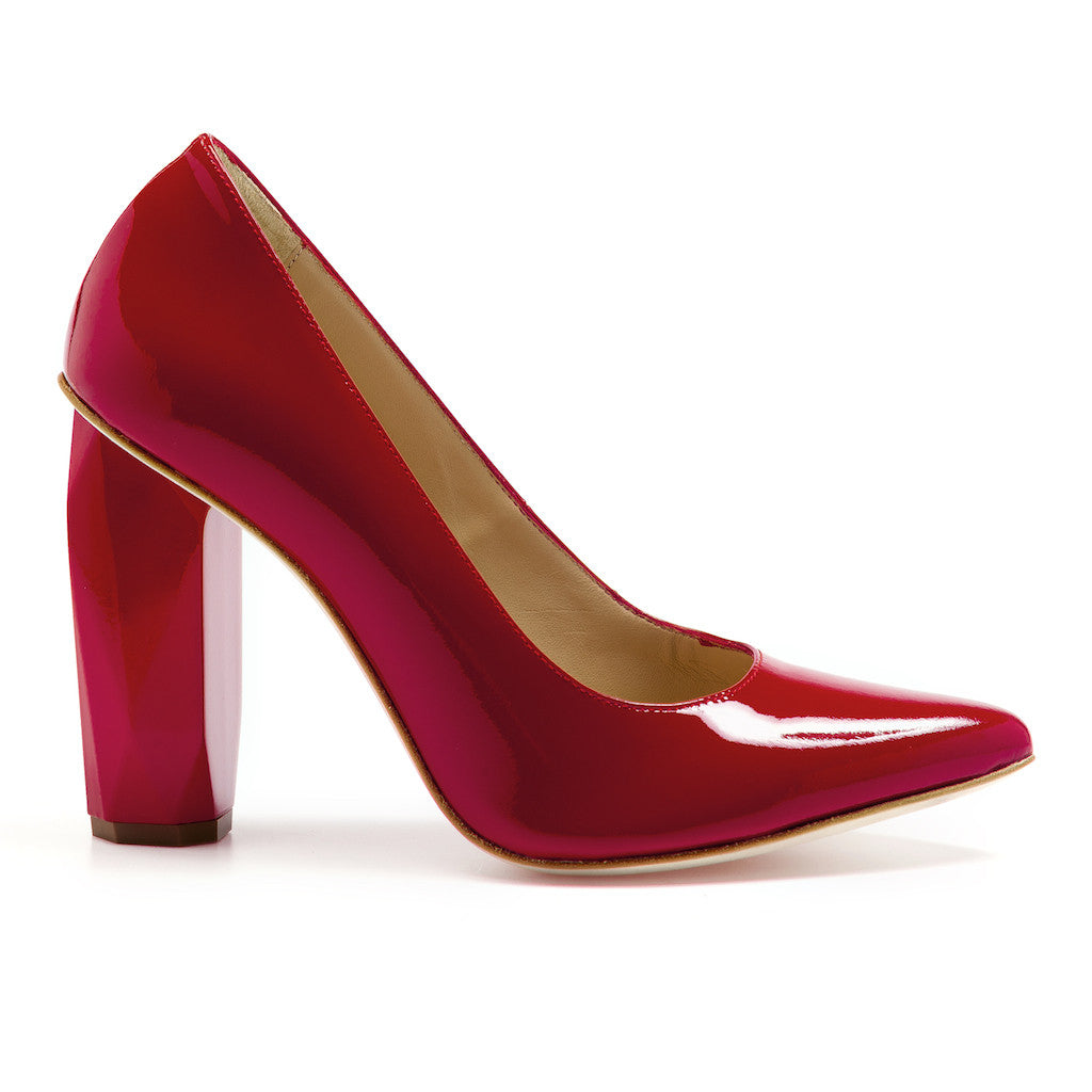 100% leather pump red