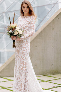 Side view of Vancouver bride who found her bridal gown at Elika In Love.
