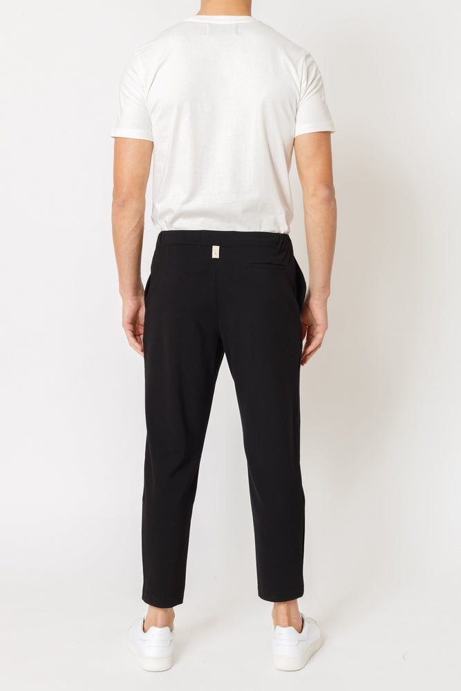 Black Ried Regular Fit Trousers - P r é v u . S t u d i o .