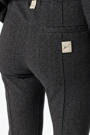 Load image into Gallery viewer, Women's Grey Tyrol Skinny Fit Joggers - P r é v u . S t u d i o .
