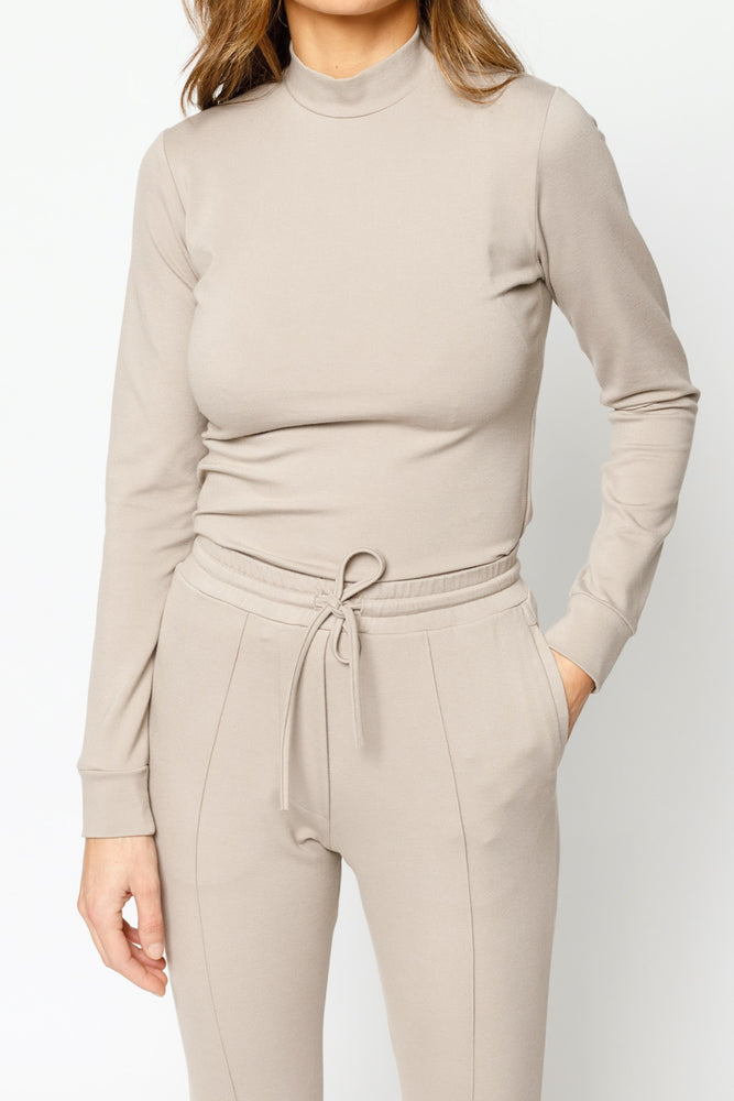 Load image into Gallery viewer, Women's Beige Belmont Skinny Fit Turtle Neck - P r é v u . S t u d i o .