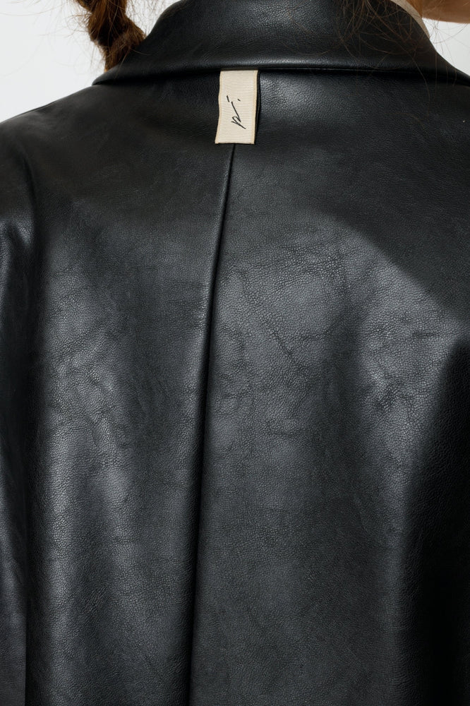 Load image into Gallery viewer, Women's Black Aurora Faux Leather Cropped Blazer - P r é v u . S t u d i o .