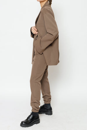 Load image into Gallery viewer, Women's Brown San Oversized Blazer - P r é v u . S t u d i o .