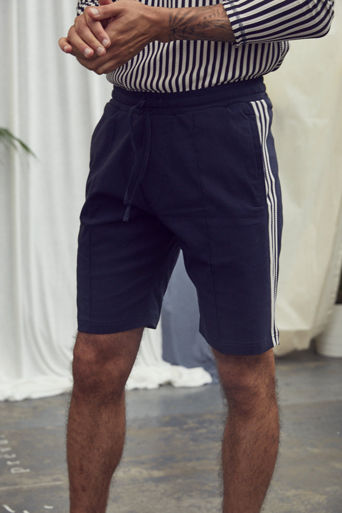 Navy Charter Taped Shorts - P r é v u . S t u d i o .