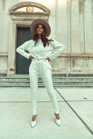 Load image into Gallery viewer, Women's Cream Broad Street Trousers - P r é v u . S t u d i o .