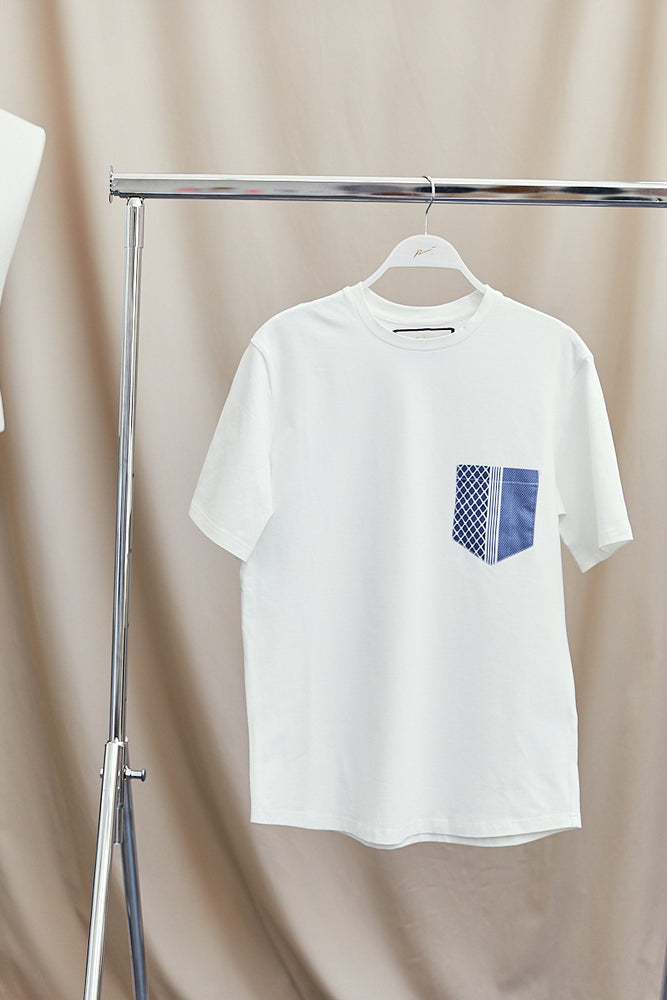 White Contrast Navy Pocket Slim Fit T-shirt - P r é v u . S t u d i o .