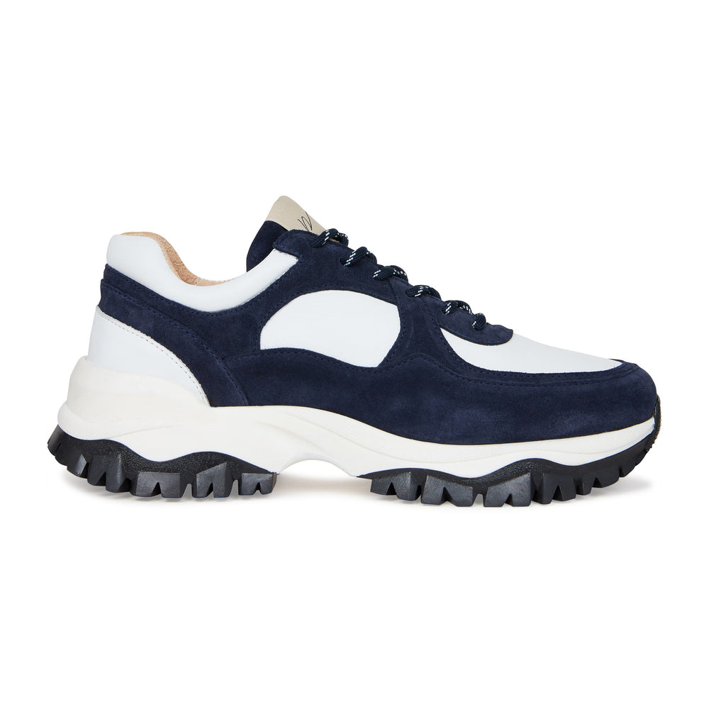 Load image into Gallery viewer, White and Navy Maxilla Leather Trainers - P r é v u . S t u d i o .