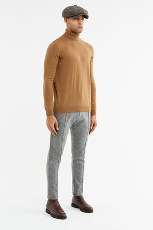 Load image into Gallery viewer, Camel Merino Wool Roll Neck Jumper - P r é v u . S t u d i o .