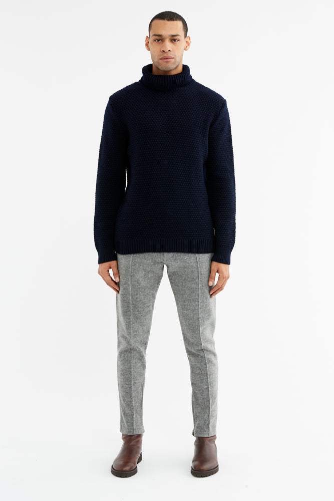 Load image into Gallery viewer, Black Merino Wool Fisherman Roll Neck Jumper - P r é v u . S t u d i o .