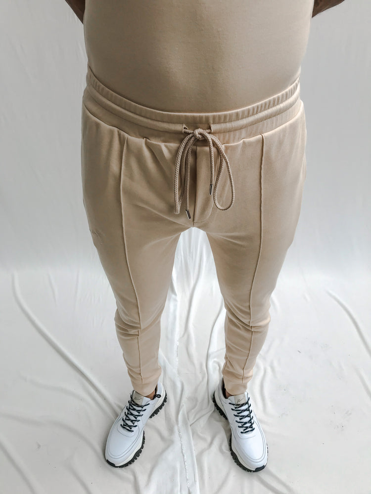 Load image into Gallery viewer, Peach Signature Logo Slim Fit Joggers - P r é v u . S t u d i o .