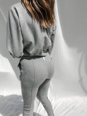 Load image into Gallery viewer, Women's Grey Aruba Skinny Fit Joggers - P r é v u . S t u d i o .