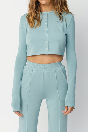 Load image into Gallery viewer, Women's Blue Calvia Cropped Cardigan - P r é v u . S t u d i o .