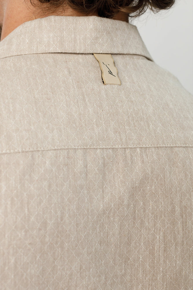 Load image into Gallery viewer, Beige Naxos Diamond Linen Slim Fit Shirt - P r é v u . S t u d i o .
