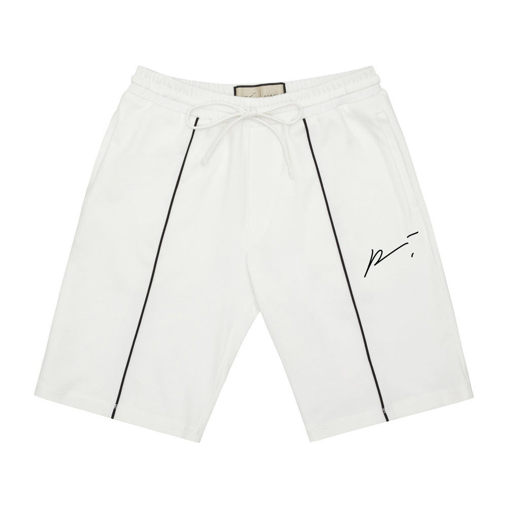 White Signature Beverly Short - P r é v u . S t u d i o .