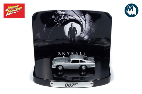 Aston Martin DB5 / Skyfall (with Tin)