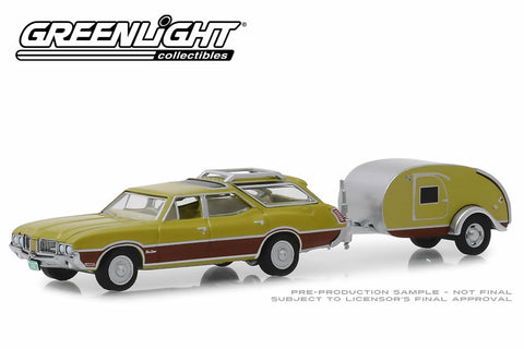 1971 Oldsmobile Vista Cruiser and Teardrop Trailer