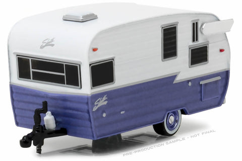 Shasta 15' Airflyte (White and Purple)