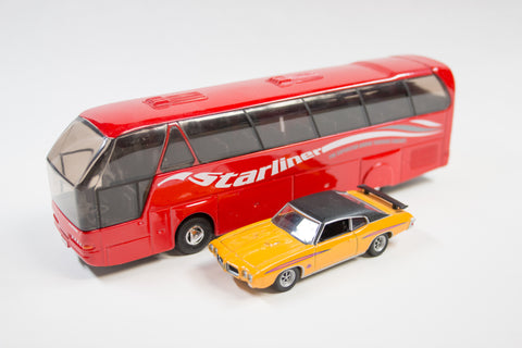 Neoplan Starliner (Red)