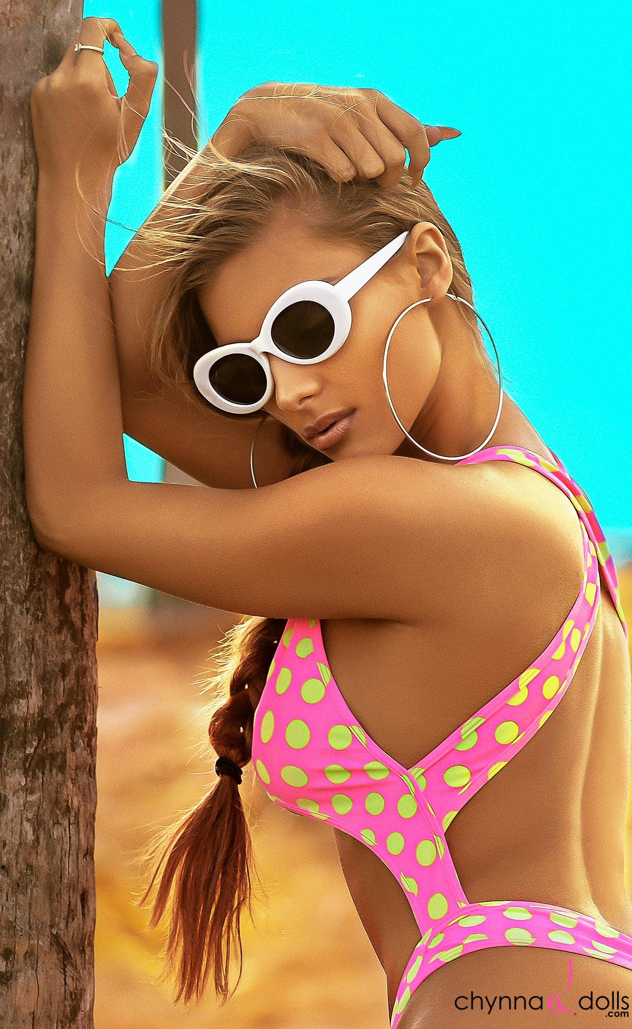 Retro Oval Round 90'S Sunglasses in White - Chynna Dolls Swimwear