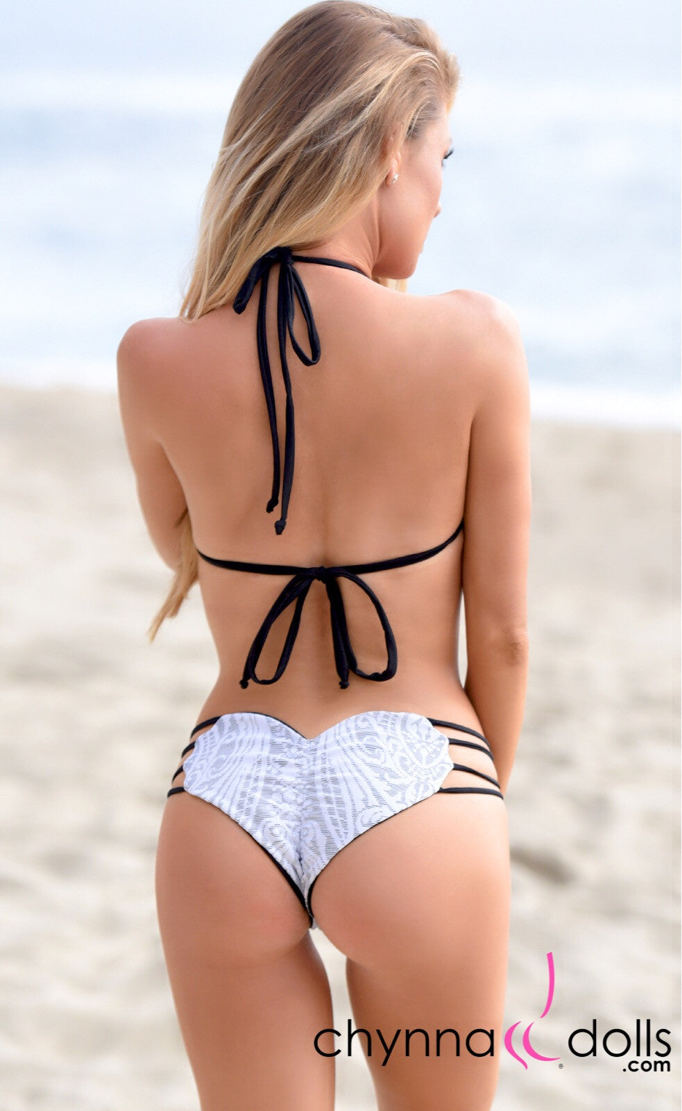 Heart Cake: Heart Shaped Reversible Bikini in Black x White Lace - Chynna Dolls
