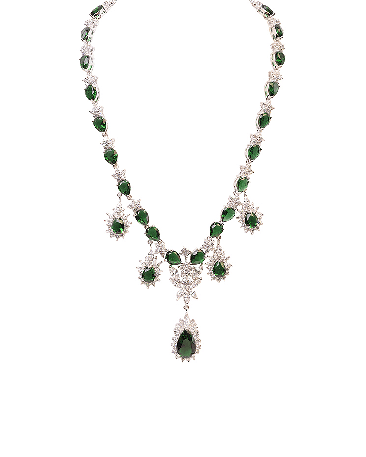 Emerald Chain Necklace - Jolie - Covetella Dress Rentals