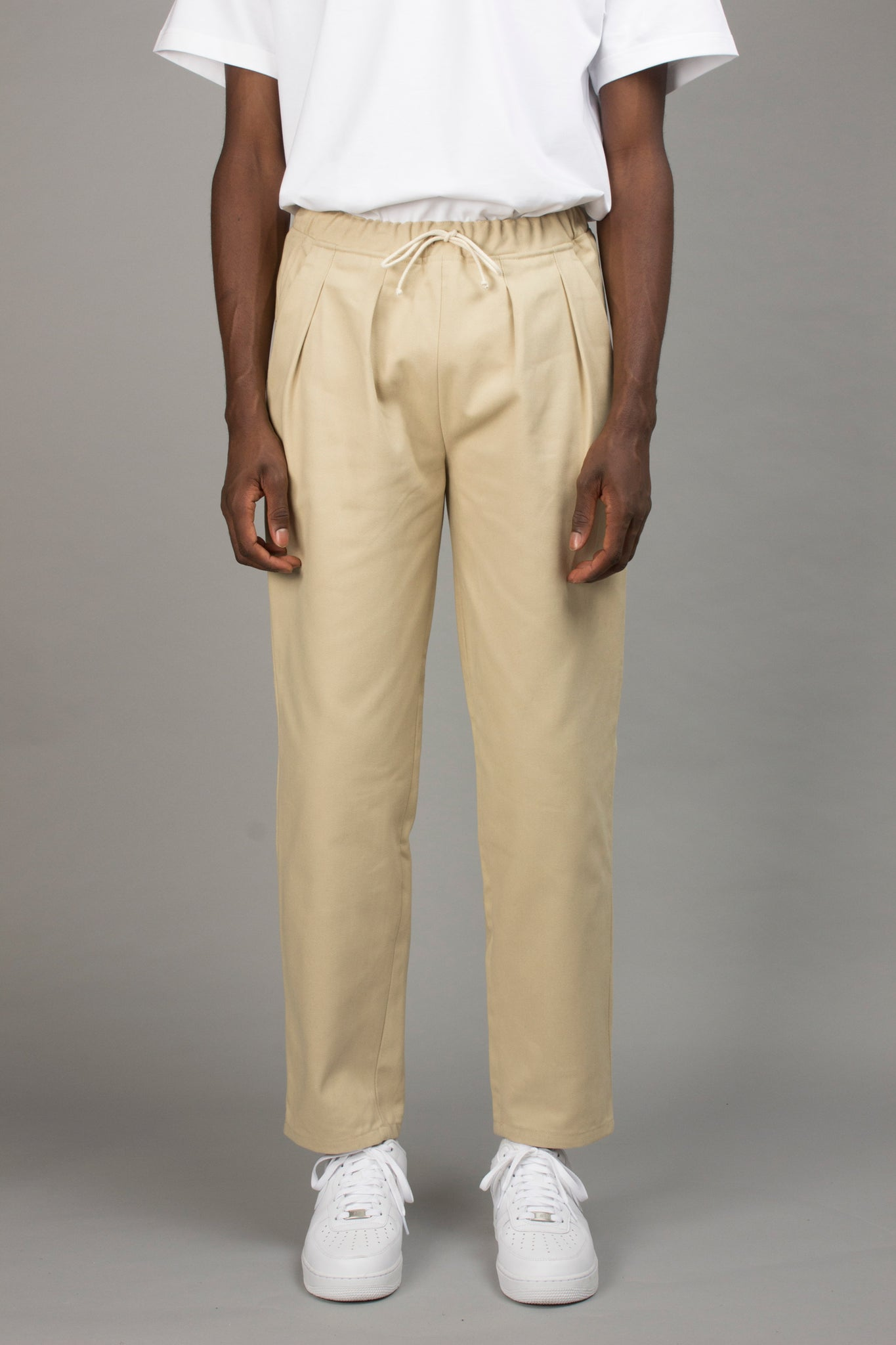 BEIGE CARROT PANT