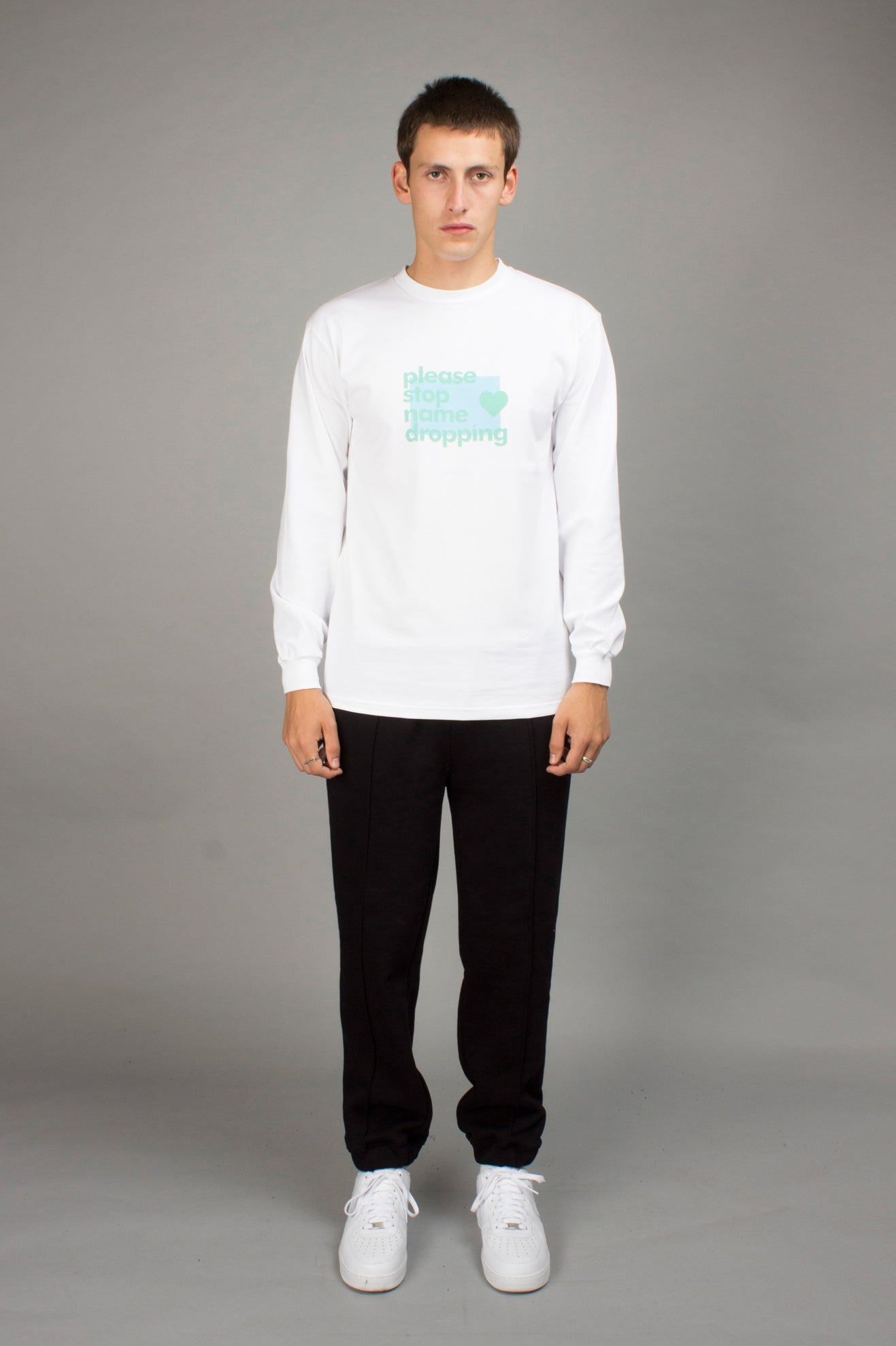WHITE NAMEDROPPING LONGSLEEVE TEE