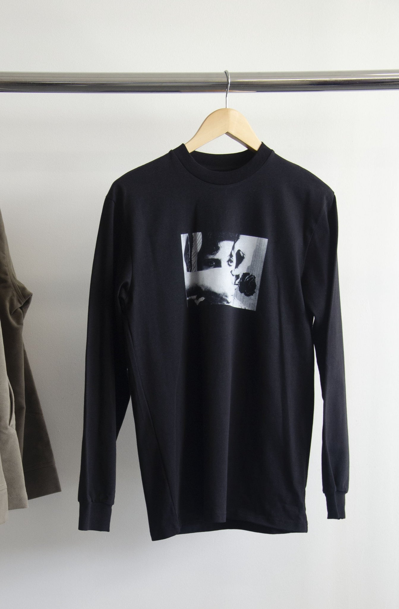 Rose Longsleeve Tee Black - SAMPLE - MEDIUM