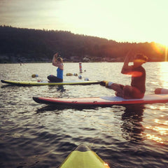 SUP Yoga/Stand Up Paddleboard Yoga
