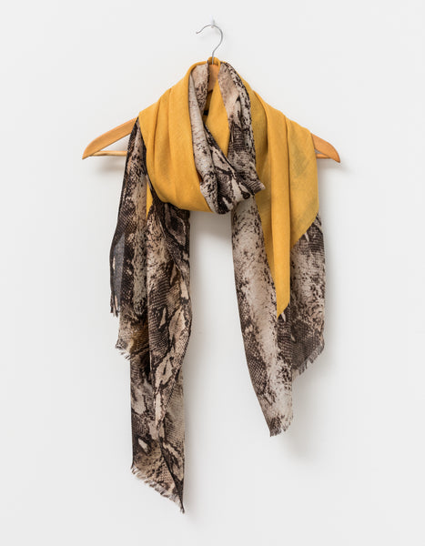 Snake w/Amber Square Scarf