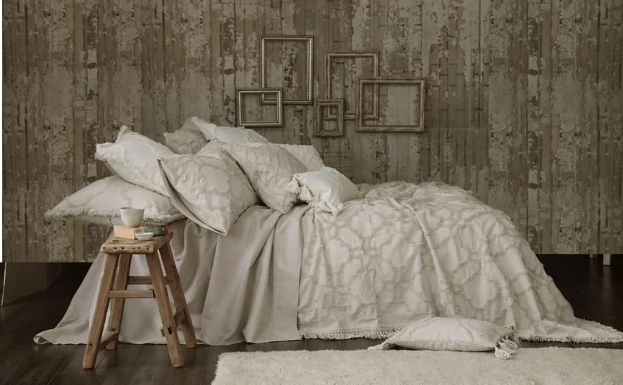 Clover Bedspread by MM Linen