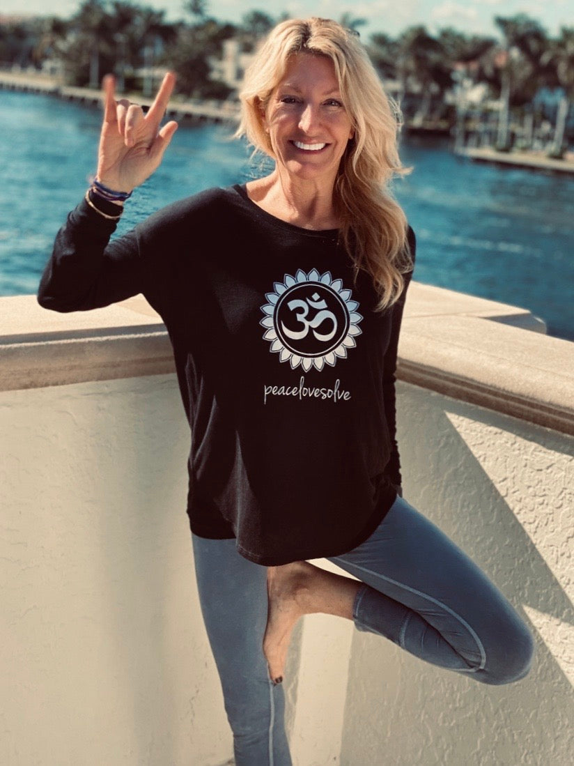 OM Long Sleeve Flowy Crew Neck