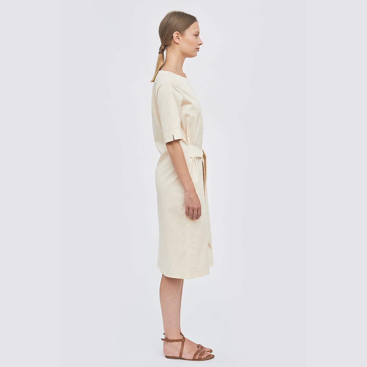 Sustainable Gabardine dress with a belt _ Mila.Vert