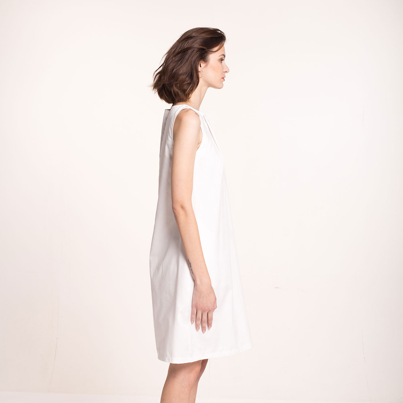 Sustainable Sateen pleat dress _ Mila.Vert