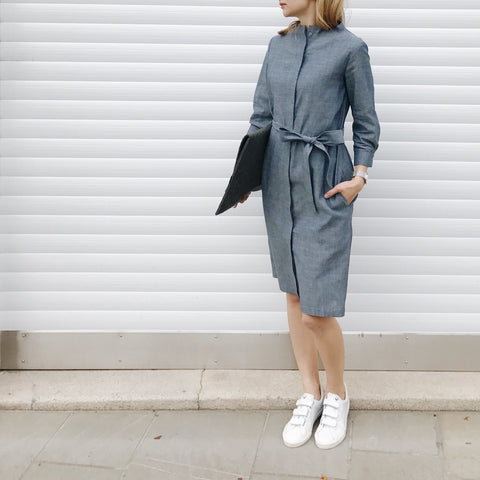 Standing neckline shirt dress in light blue denim
