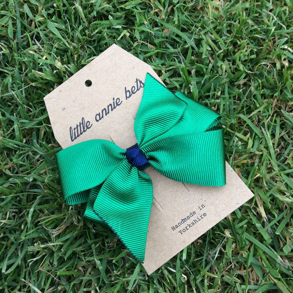 Emerald & Navy Small Pinwheel Bow Clip
