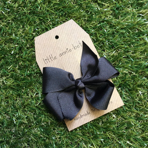Charcoal Grey Pinwheel Bow