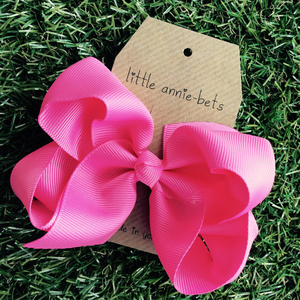 Large Spanish Pink Twisted Bows