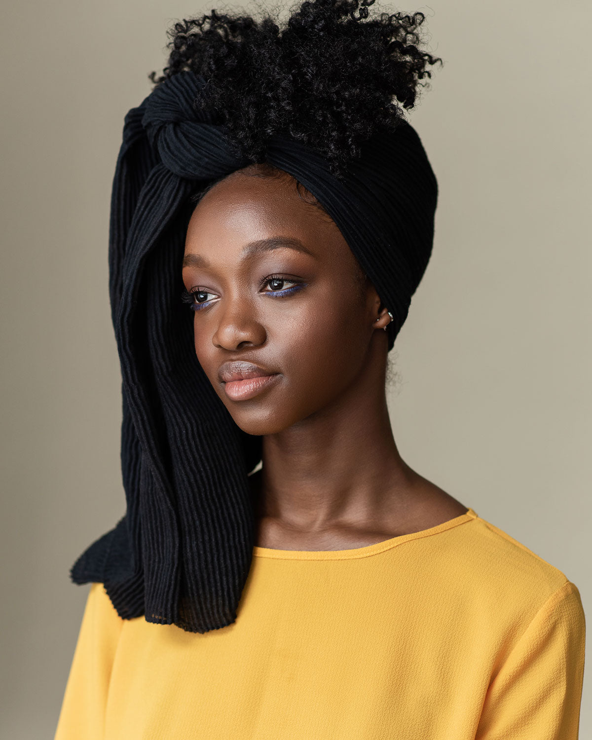 /blogs/tutorials/quite-dramatic-using-our-black-head-wrap