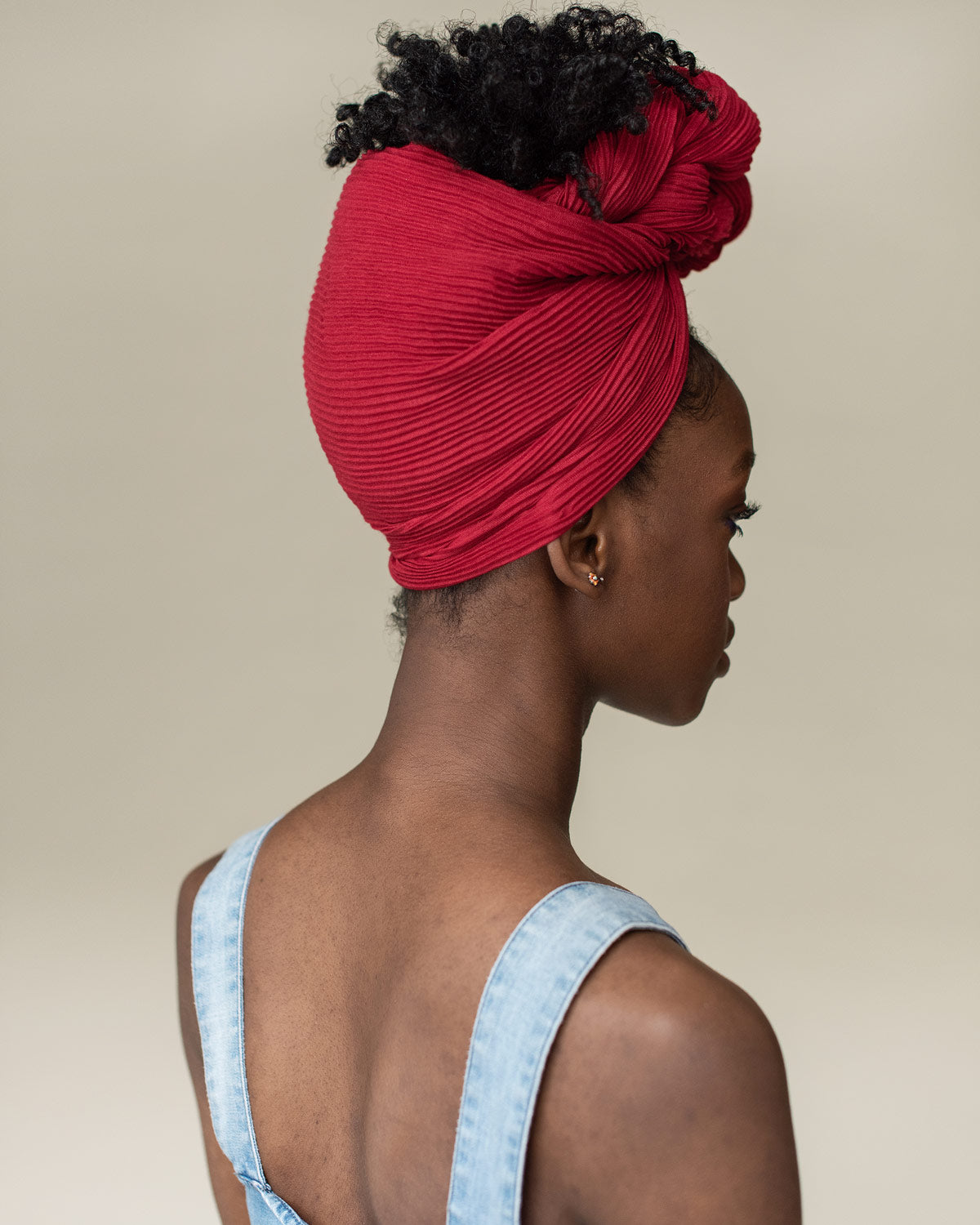 /blogs/tutorials/soft-knots-using-rosie-head-wrap