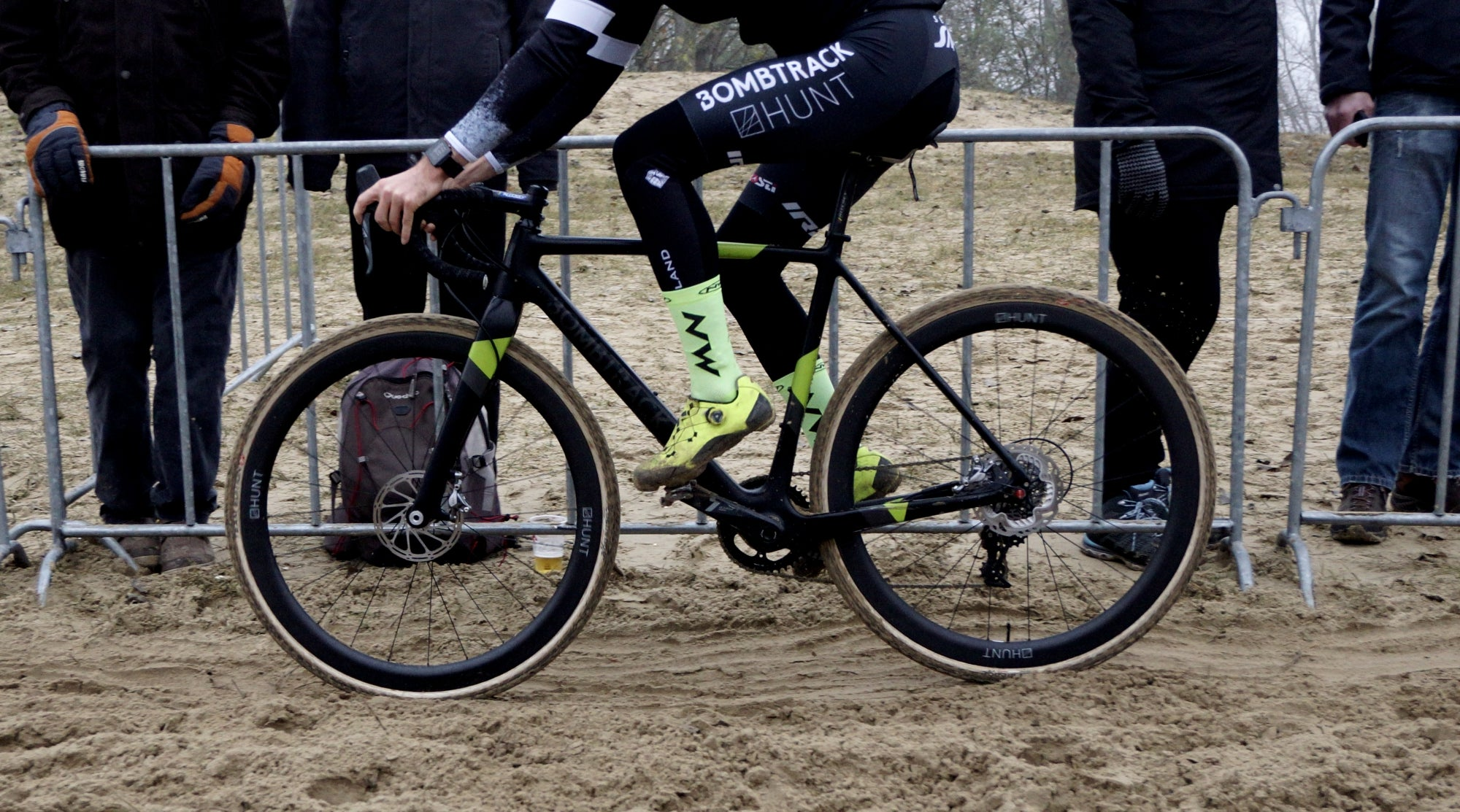GETTING TO THE HEART OF CYCLOCROSS    – Hunt Bike Wheels